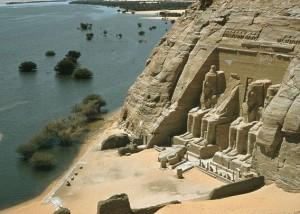 Большой храм в Египте