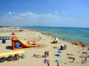 Азовское море влечет туристов